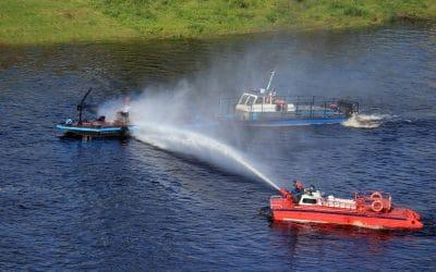 """Feuerwehr Bremerhaven: """"Zauberwatte® ist perfekt für den Einsatz in Gewässern"""""""